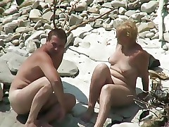 Video porno di Plage - scopate mature